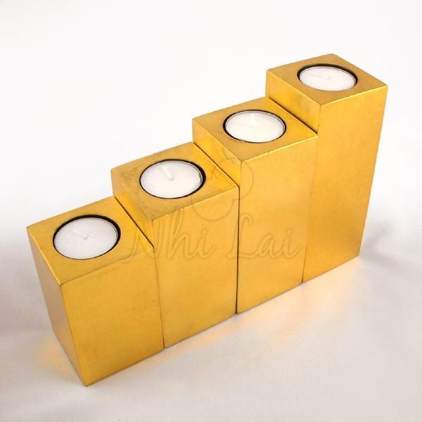 Set de 4 bougeoirs laqués dorés Bôn Bac