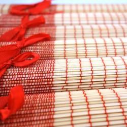 Lot de 6 sets de table en fibre de bambou naturel et rouge