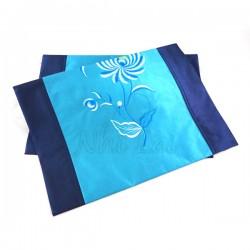 Chemin de table en taffetas de soie bleu turquoise