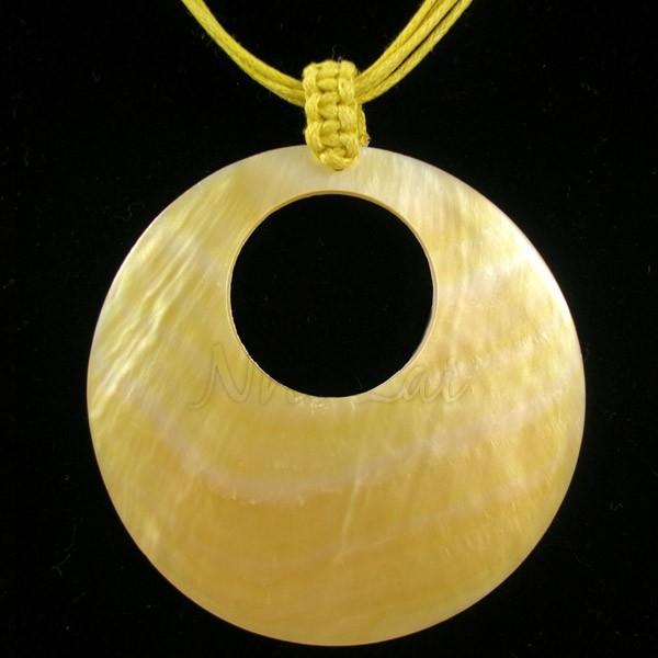 Pendentif nacre jaune collier jaune